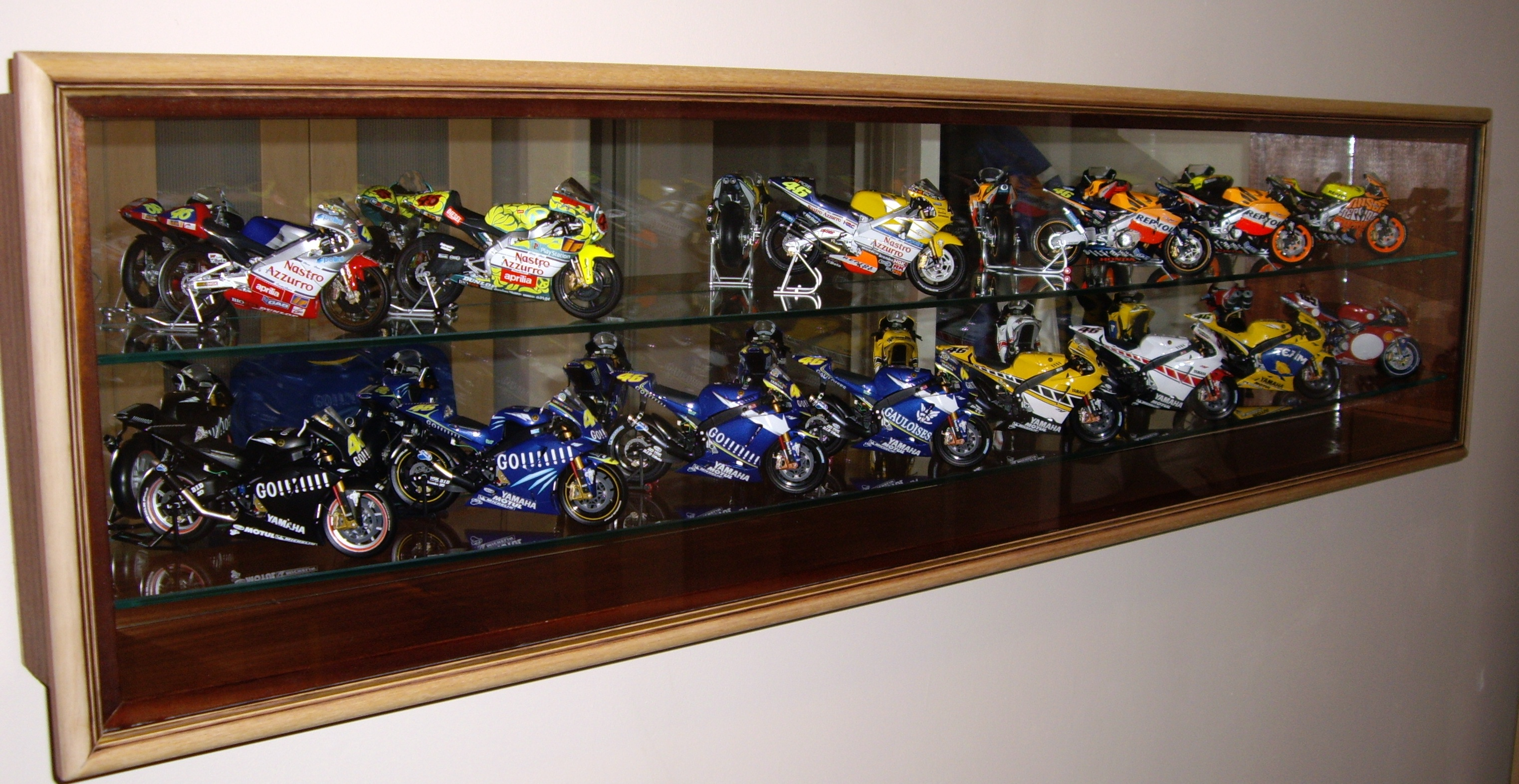Display Case For Sports Memorabilia Dsc Showcases