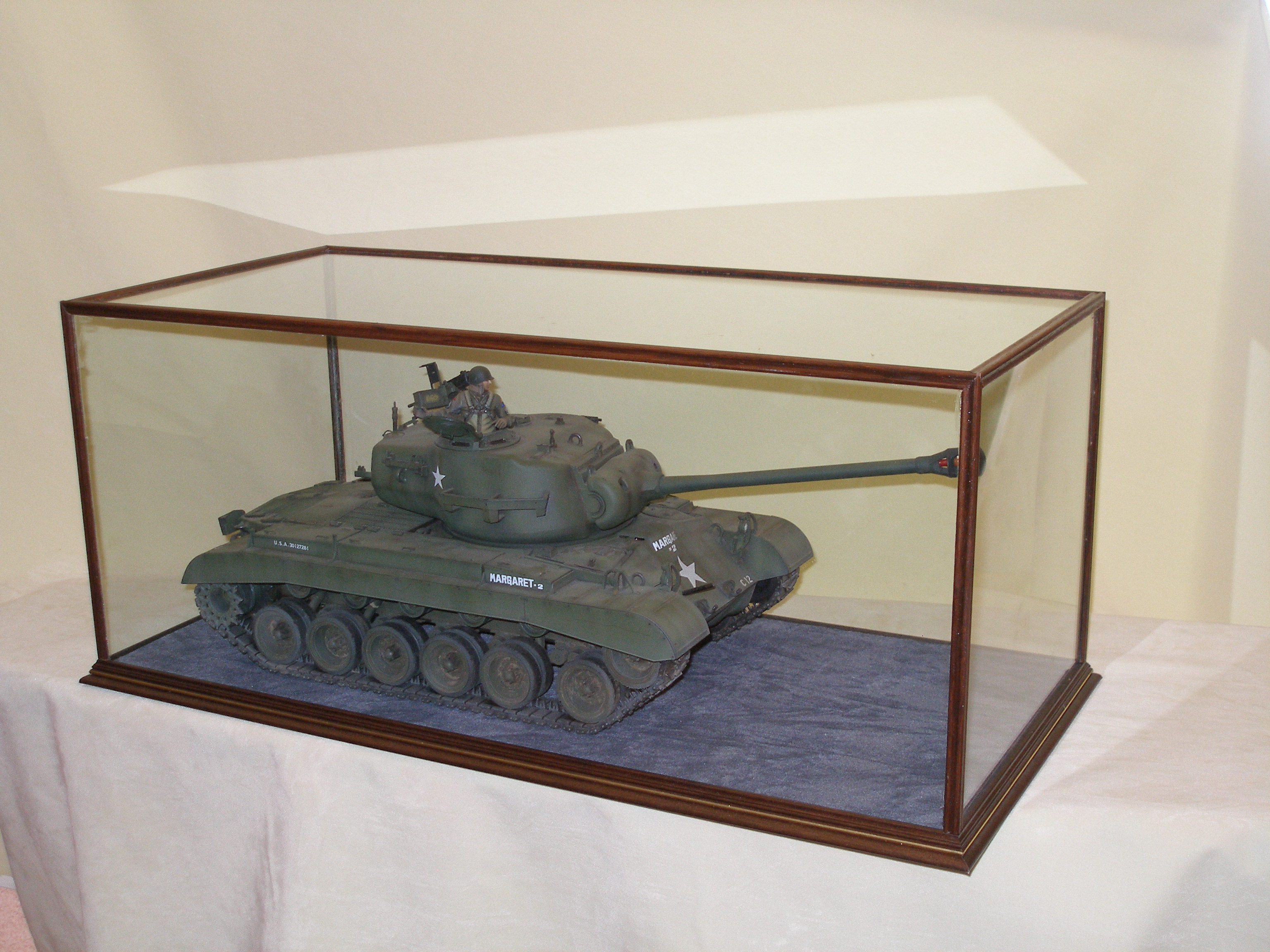 Model Tank in Raclifffe Case