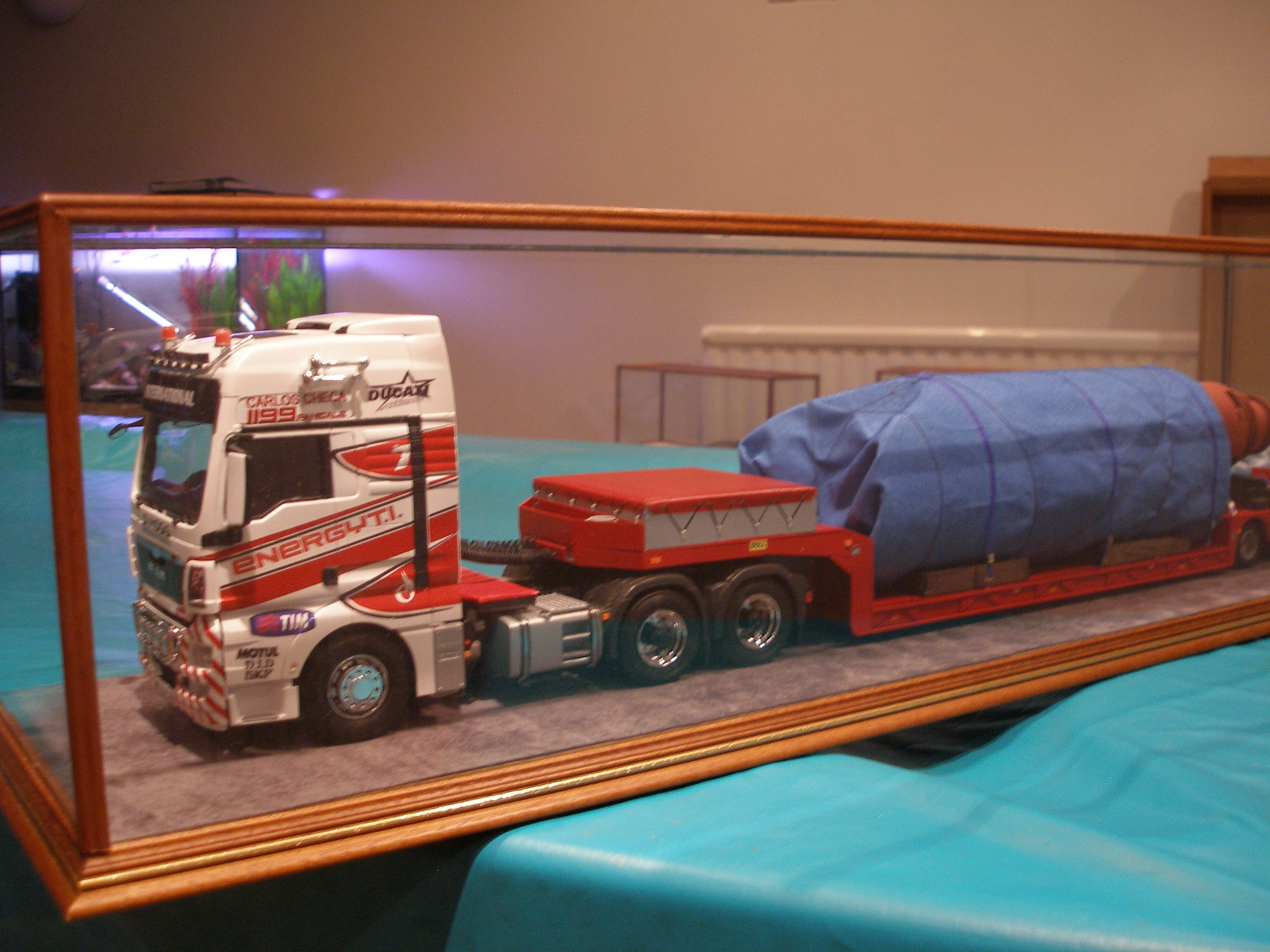Radcliffe truck display case