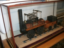 Locomotive case with feet