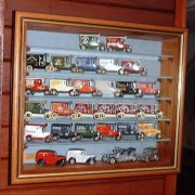 PICTURE BOX wall display cabinet