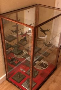 display case for multiple model aeroplanes